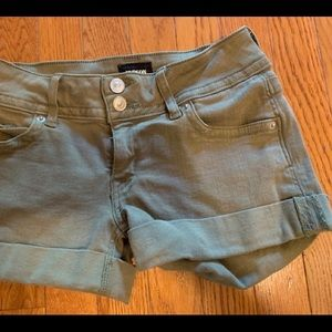 Hudson Ruby Mid Thigh Shorts olive, stretch VGUC 0